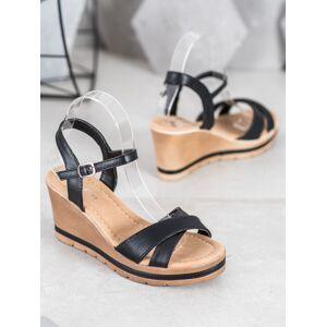 Designové dámské černé  sandály na klínku 36