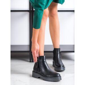 Designové  kotníčkové boty dámské černé na plochém podpatku 38