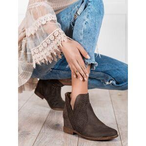 Jedinečné hnědé dámské  kotníčkové boty na klínku 36