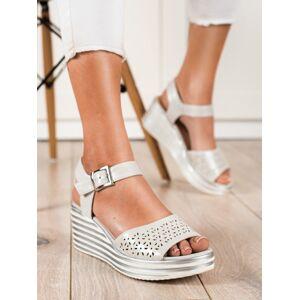 Klasické dámské  sandály šedo-stříbrné na klínku 38
