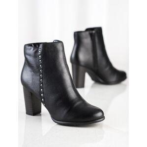 Komfortní černé dámské  kotníčkové boty na širokém podpatku 37