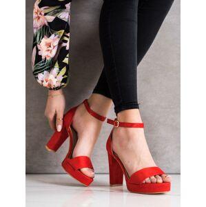 Módní dámské  sandály červené na širokém podpatku 35