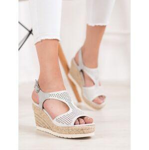 Módní dámské šedo-stříbrné  sandály na klínku 36