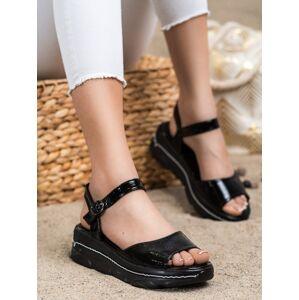 Pěkné dámské  sandály černé bez podpatku 37