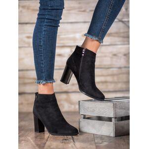 Pohodlné černé dámské  kotníčkové boty na širokém podpatku 36