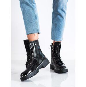 Pohodlné černé  kotníčkové boty dámské na plochém podpatku 36