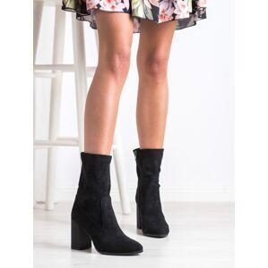 Praktické černé dámské  kotníčkové boty na širokém podpatku 36