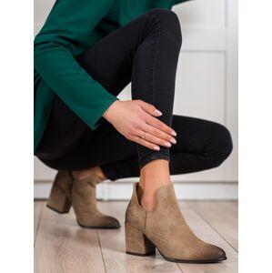Praktické hnědé dámské  kotníčkové boty na širokém podpatku 40