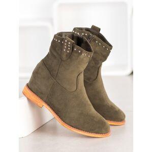 Praktické zelené dámské  kotníčkové boty na klínku 36