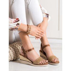 Stylové dámské  sandály hnědé na klínku 38