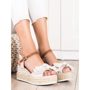 Stylové hnědé  sandály dámské na klínku 37