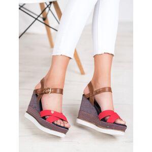Stylové vícebarevné dámské  sandály na klínku 36