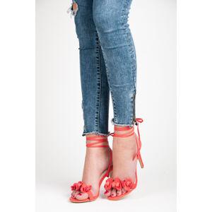 Vázané červené sandály s kytičkami 37