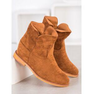 Výborné hnědé dámské  kotníčkové boty na klínku 36